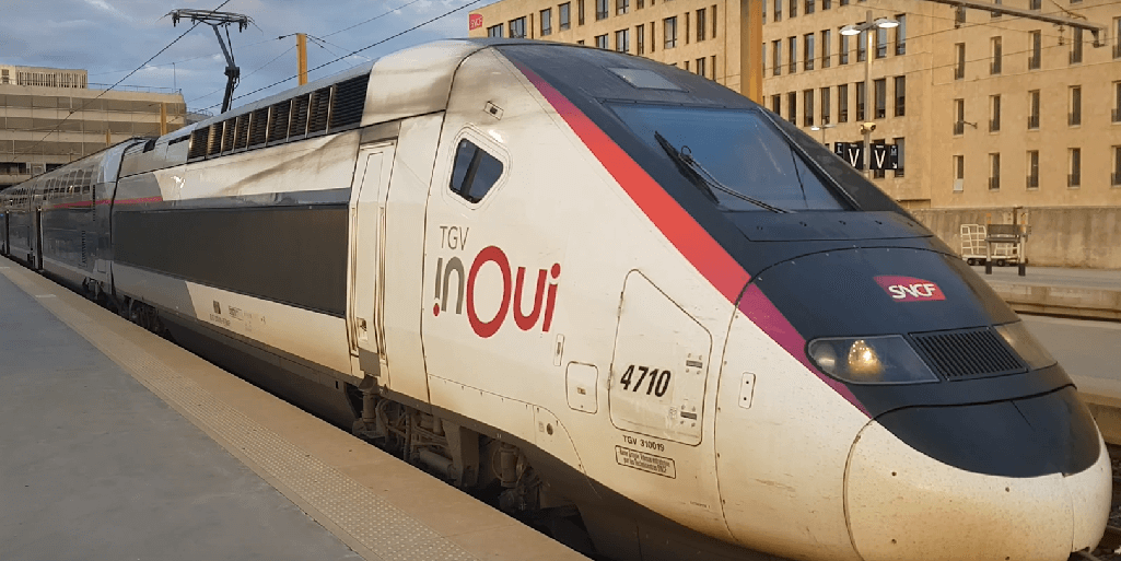TGV am Bahnhof in Marseille