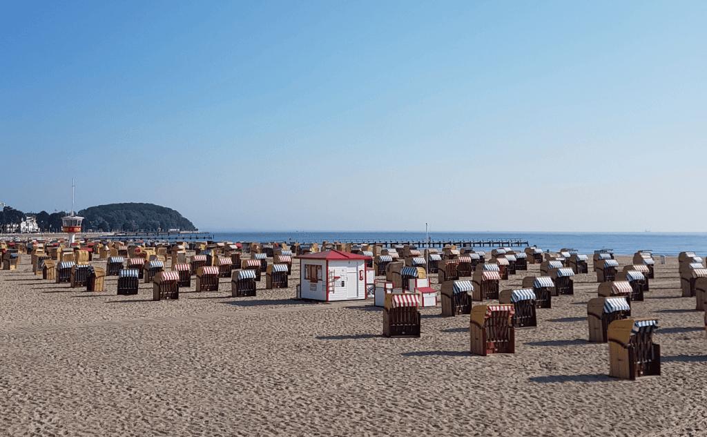 Schleswig-Holstein Ticket: Strand mit Strandkörben