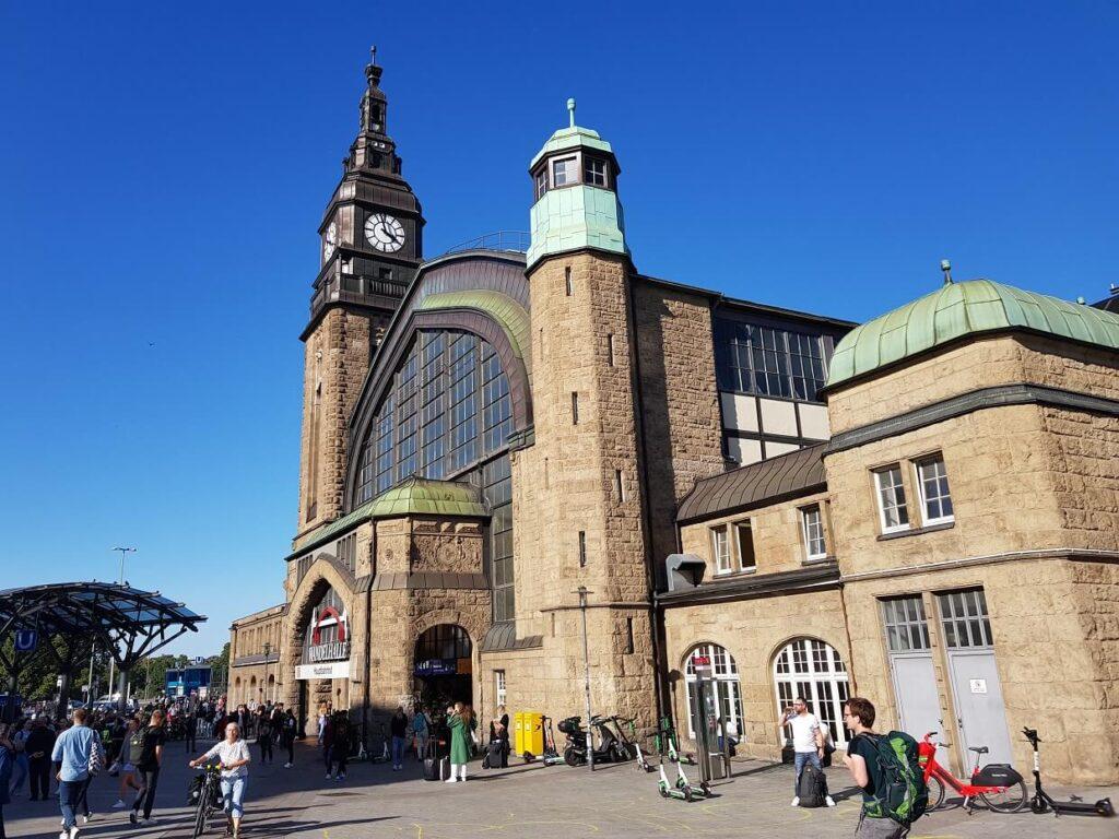 Hamburger Hauptbahnhof: Eingang Wandelhalle